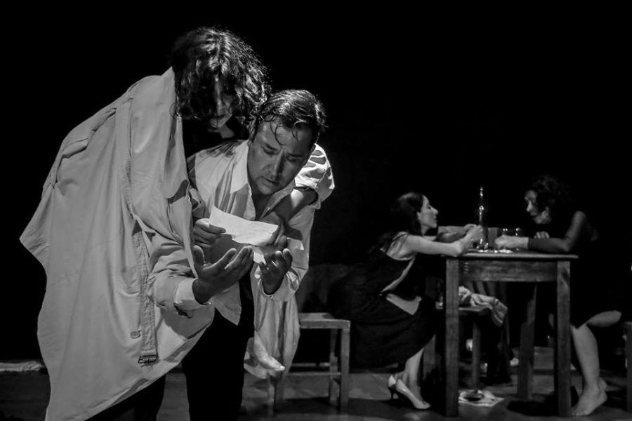 """Escena de la obra salteña """"Crónica imposible de un círculo atroz"""", se prepara para viajar a dos festivales internacionales en Brasil."""