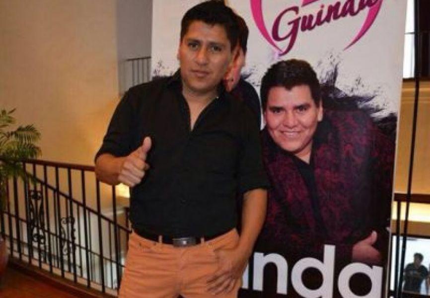 """Jorge Escalante, uno de los integrantes del grupo salteño """"Guinda"""" de música tropical que cumple 21 años de escenario."""