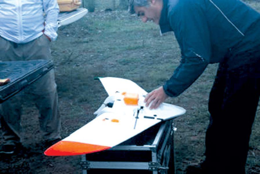 Un intenso operativo reatrillaje para encontrar a la jovencita Gala se realiza con perros de rescate entrenados y drones.
