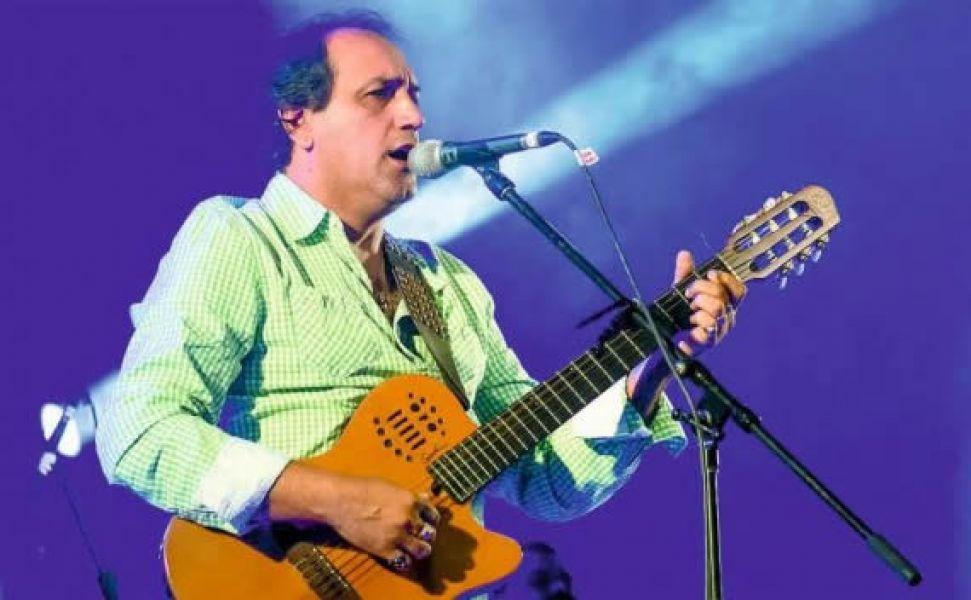 Franco Barrionuevo, una de las figuras folclóricas de La Viña, en su 16° Festival de Humor y Canto.