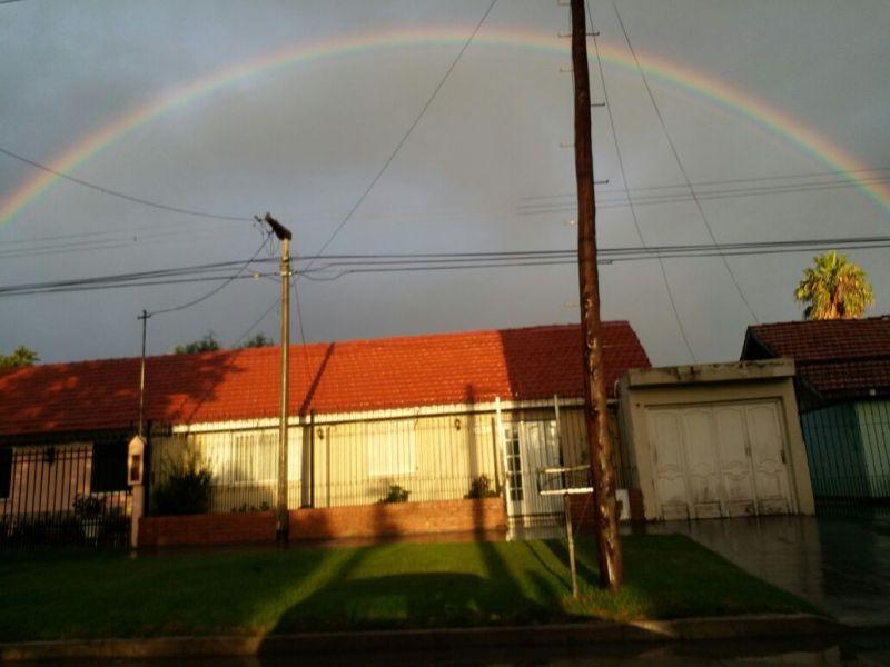 El arco iris resplandeció en la zona sur.