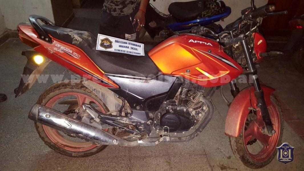 Una de las motocicletas recuperadas había sido robada minutos antes.
