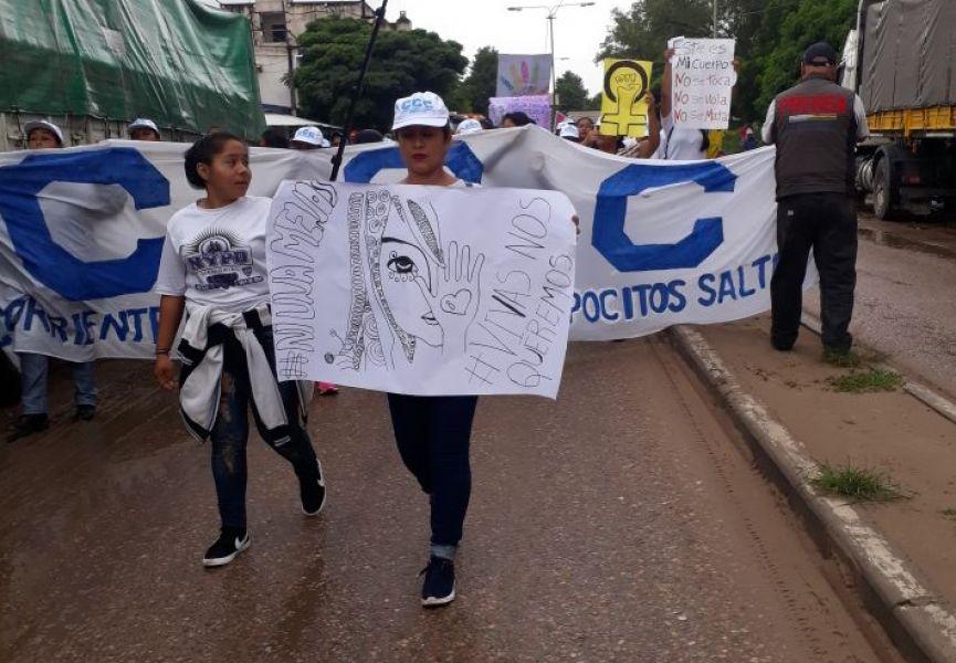 En Pocitos también hubo marcha en el Día de la Mujer.