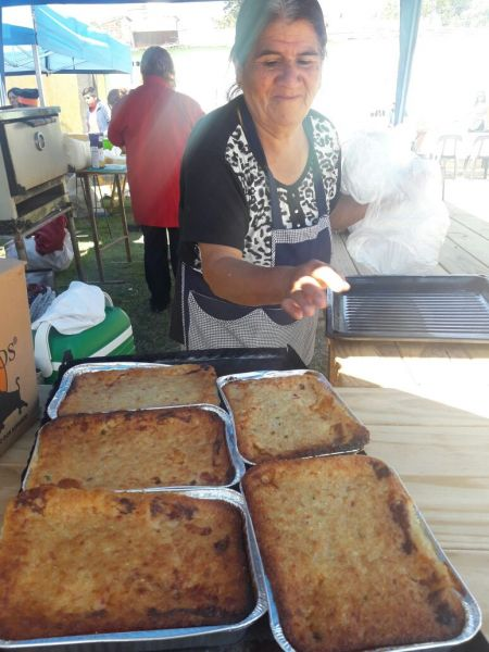 La cocinera Chuly Coreico, preparó su pastel que fue el elegido por los jurados para llevarse el primer premio.