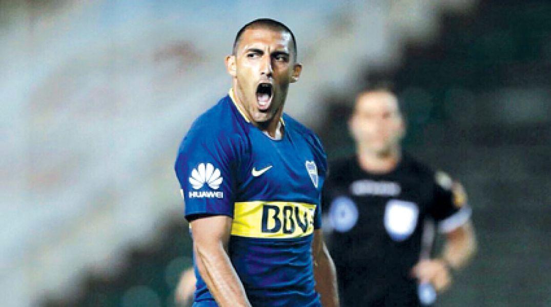Ramón Abila, la cuota de gol en el xeneize. Esta noche juega ante Alianza pensando en el Junior.