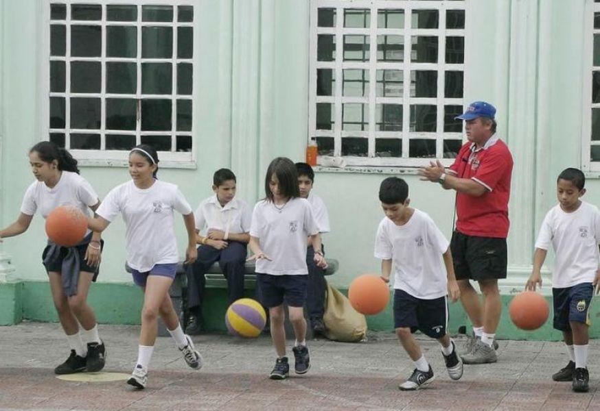 Kineseólogos afirman que los profesores de educación física están en el área Educación y ellos en la Salud.