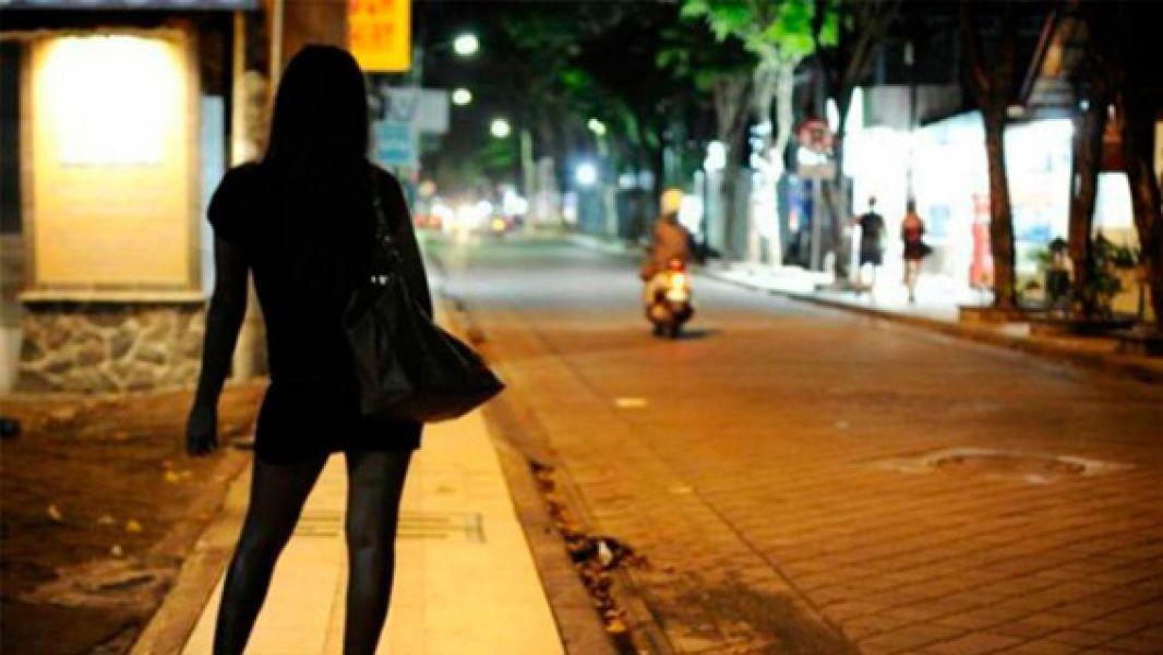 """El concejal Castillo indicó que las """"Zonas rojas"""" sería una solución para erradicar la prostitución en la vía pública."""