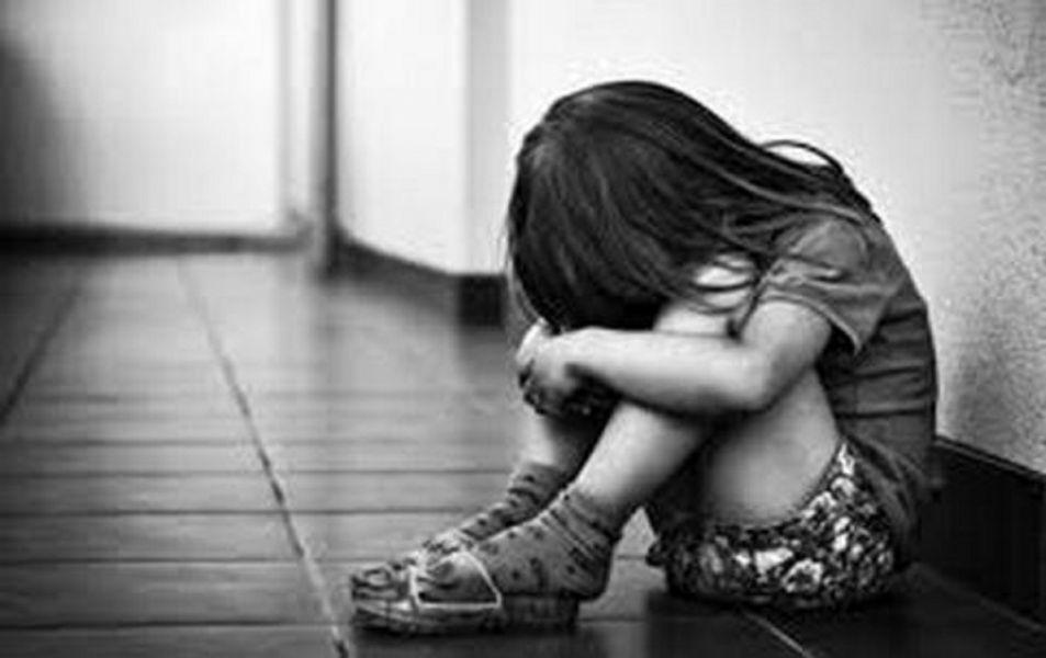 El abuso fue detectado por el hermano de la menor