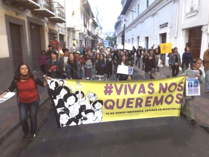 Las mujeres de Quito se unen a otras organizaciones feministas, que reclaman por sus propias desaparecidas o asesinadas.
