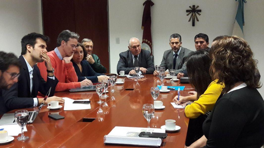 Los representantes de la ONU junto a funcionarios municipales y  del Ministerio de Ambiente y Desarrollo Sustentable de la Nación.