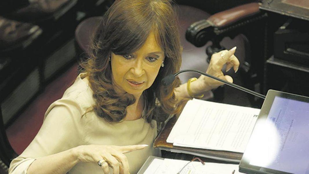 Su abogado propuso a la senadora Cristina Kirchner que ofrezca sus propiedades para que sean allanadas sin esperar el consentimiento del Senado.
