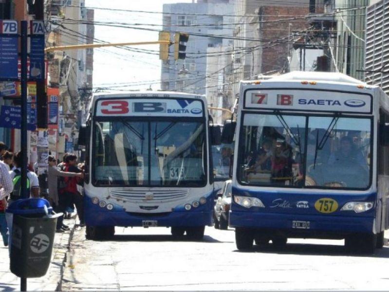 La empresa deberá pagar por la caída de una usuaria desde una unidad de transporte público.
