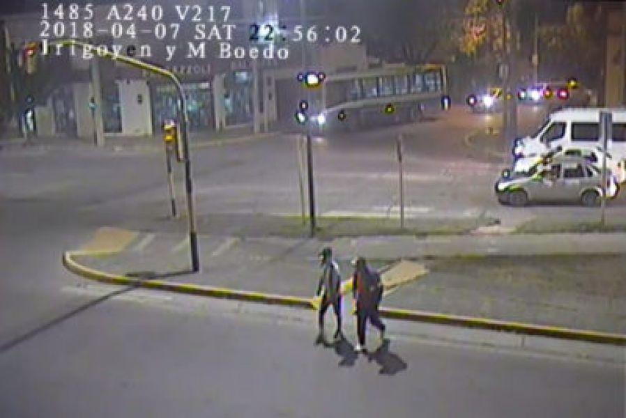 Imágenes captadas por las cámaras de seguridad ponen a los sospechosos en escena del crimen cometido contra Lucas Correa.