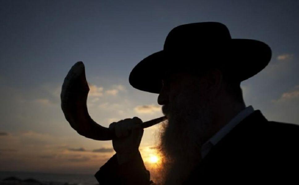 Rosh Hashaná se llama la festividad con la que celebra el año nuevo judío.