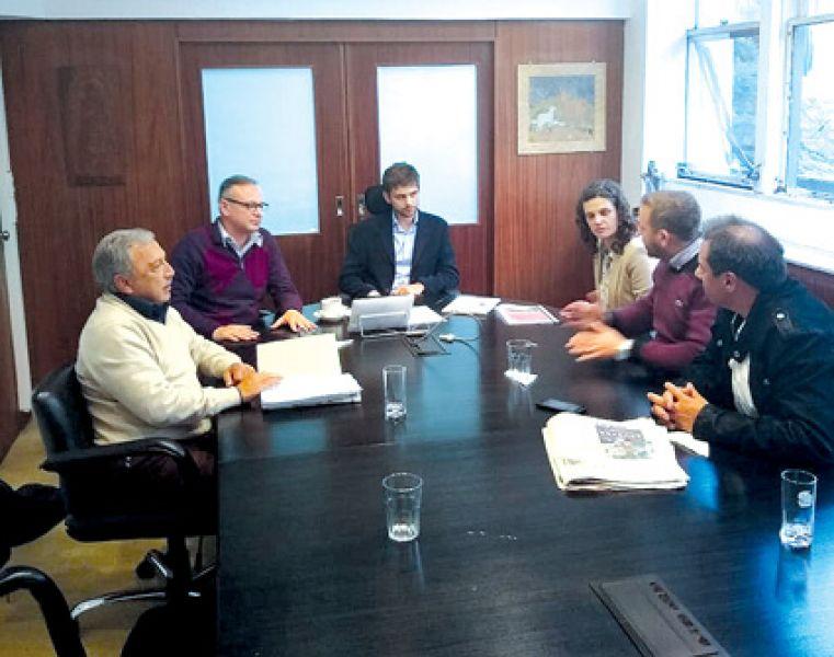 La semana pasada metanenses se reunieron con  Vialidad Nacional.