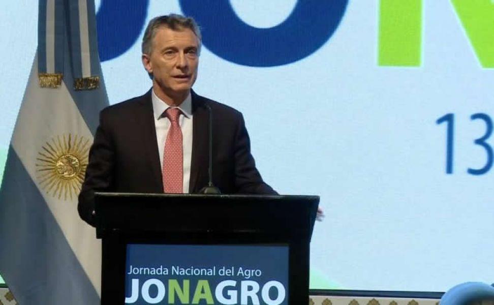 """Mauricio Macri en la inauguración de la Jornada Nacional del Agro dijo: """"Las retenciones al campo son el último esfuerzo temporal""""."""