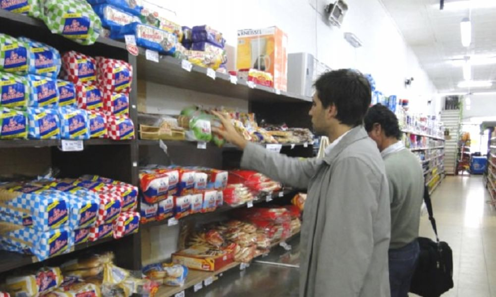 Trepada de precios, en ocho meses la inflación llega al 24,3 por ciento y en los últimos doce acumula 34,4 por ciento.