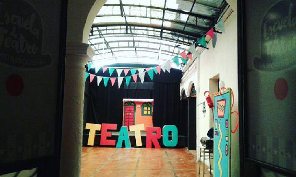 Actores y directores de Salta y todo el país se movilizan por el presupuesto para el teatro nacional.