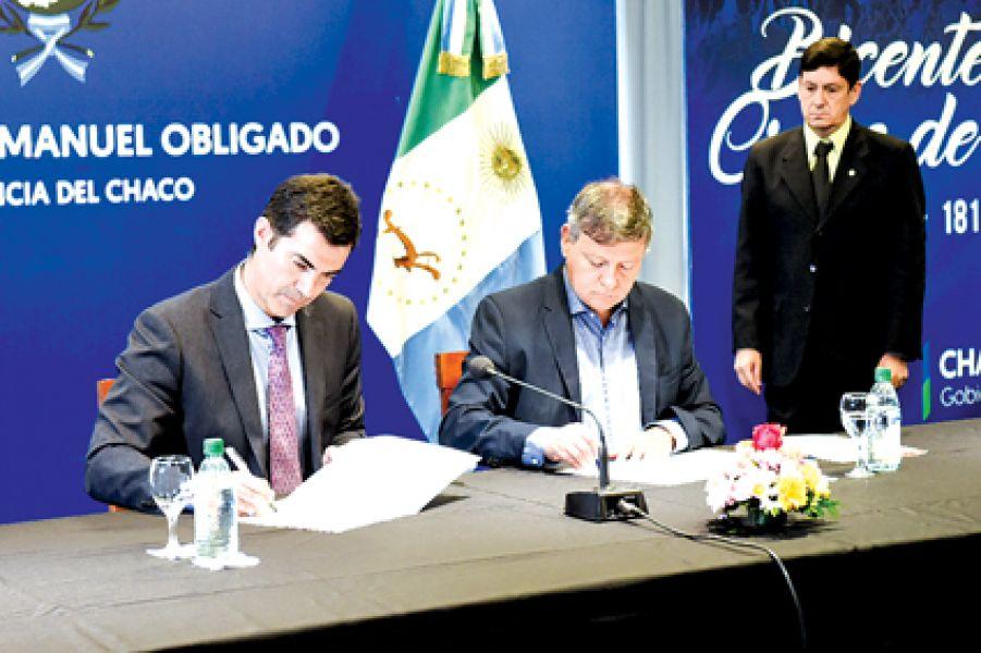 Firma del convenio en promoción y protección de la primera infancia, entre los mandatarios de Salta y de Chaco.