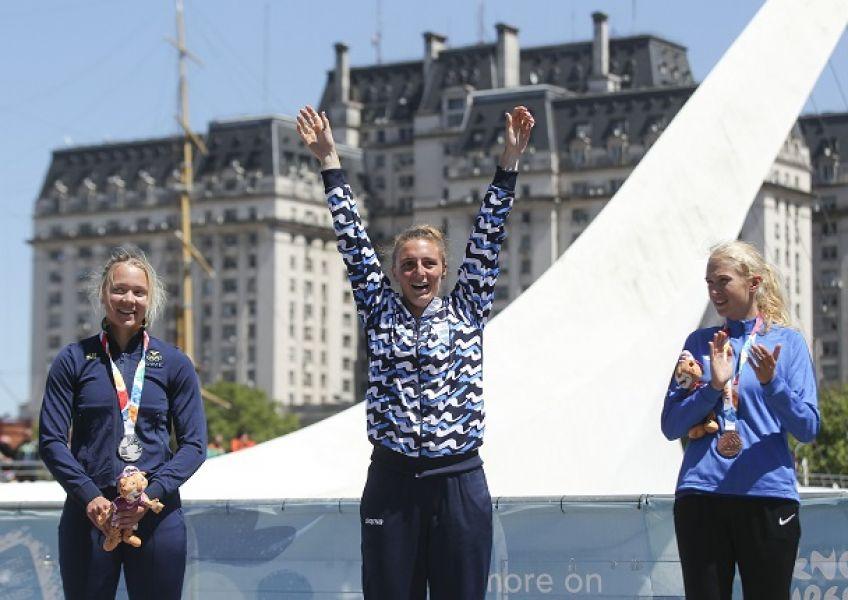 La argentina Sol Ordaz, flanqueada por la sueca Elin Lindroth y la estonia Greta Jaanson.