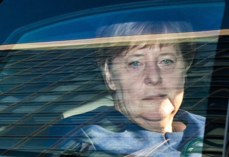 Merkel, enfrentada al reto de reforzar su gobierno tras el revés electoral en Hesse