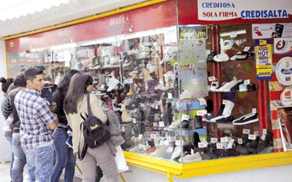 El Gobierno en el acuerdo promocional de compras en comercios salteños busca potenciar la actividad comercial.