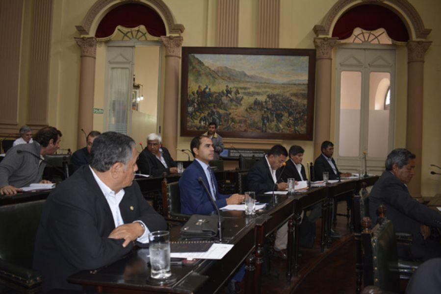 El proyecto de ley sobre el Régimen de Municipalidades vuelve ahora en revisión a la Cámara de Diputados.