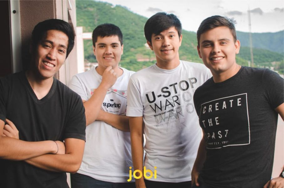 """Matías Bignon, Ignacio chocobar, Lucas Rodríguez y Jorge Lindon son los creadores de """"Jobi"""" es una app para celulares para buscar y ofrecer trabajo."""
