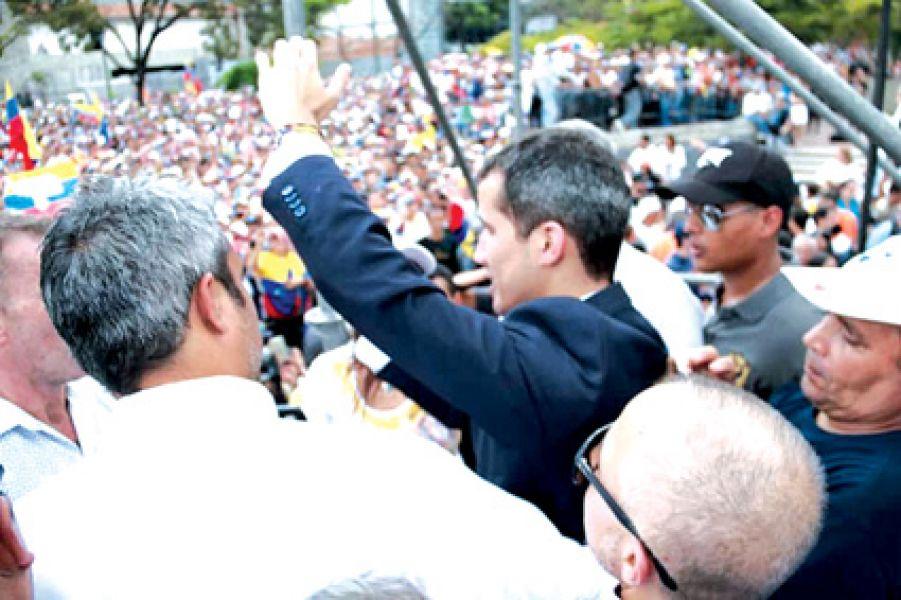 Una multitud escuchó a Juan Guaidó.  (El Nacional)
