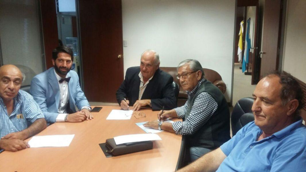 Garcia Salado y Serrudo, junto a otros dirigentes.